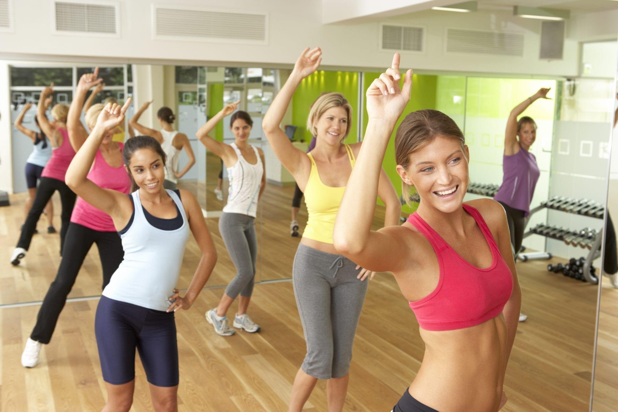 6 woman dancing